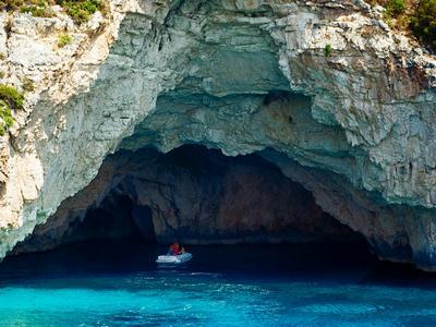 Достопримечательности Корфу: пещера Япапанти