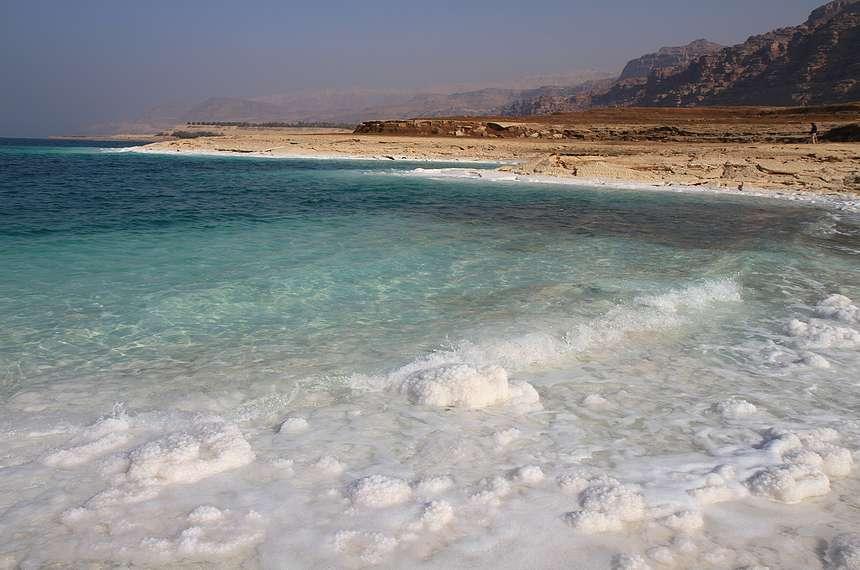 отдых на берегах Мертвого озера в Израиле