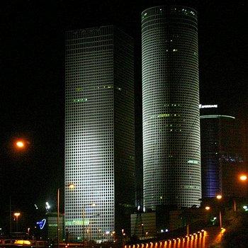 Высотки Азриэли в Тель-Авива