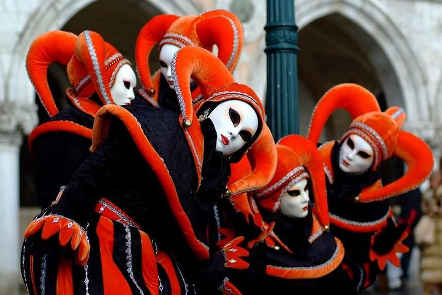 знаменитые карнавальные маски