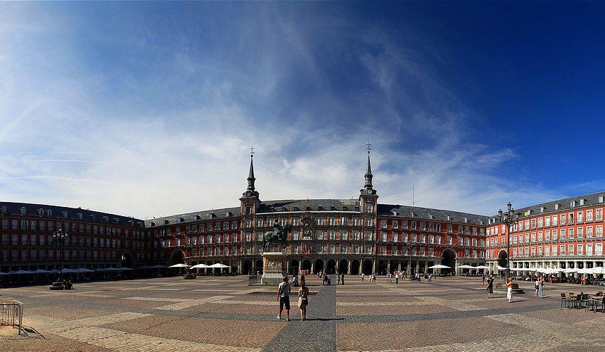 Достопримечательности Мадрида - площадь Пласа-Майор