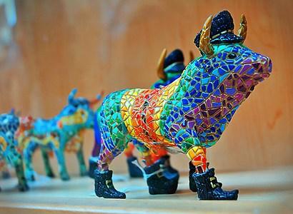 фигурка быка: сувенир из Испании