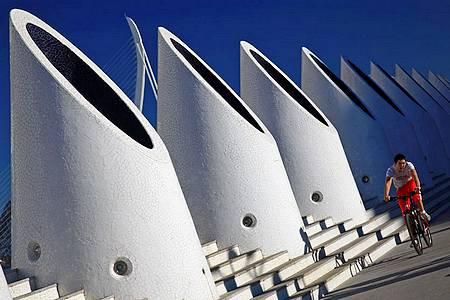 Достопримечательности Валенсии - выставка современного искусства