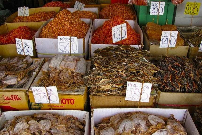 тайская еда на улице