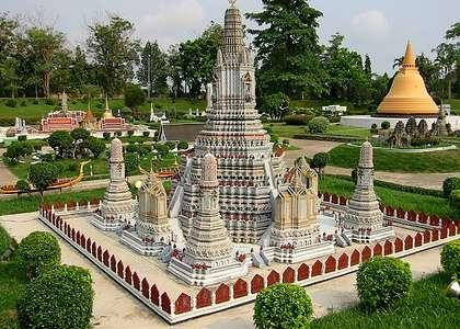 Достопримечательности Паттайи: парк миниатюрных копий Мини-Сиам