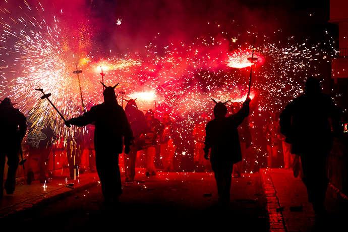 Фестиваль фейерверков в Жироне