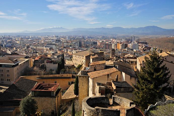 достопримечательности Жироны: панорама города со стены