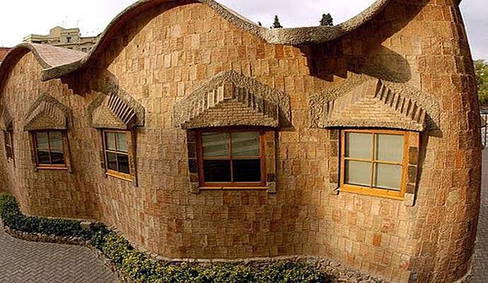 архитектура антонио гауди