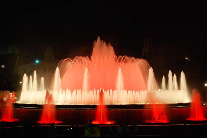 поющие фонтаны монжуик