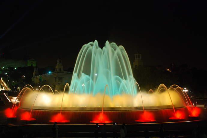 магические фонтаны в барселоне