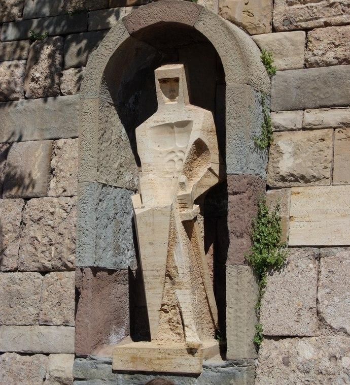статуя святого Георгия в монастыре Монтсеррат