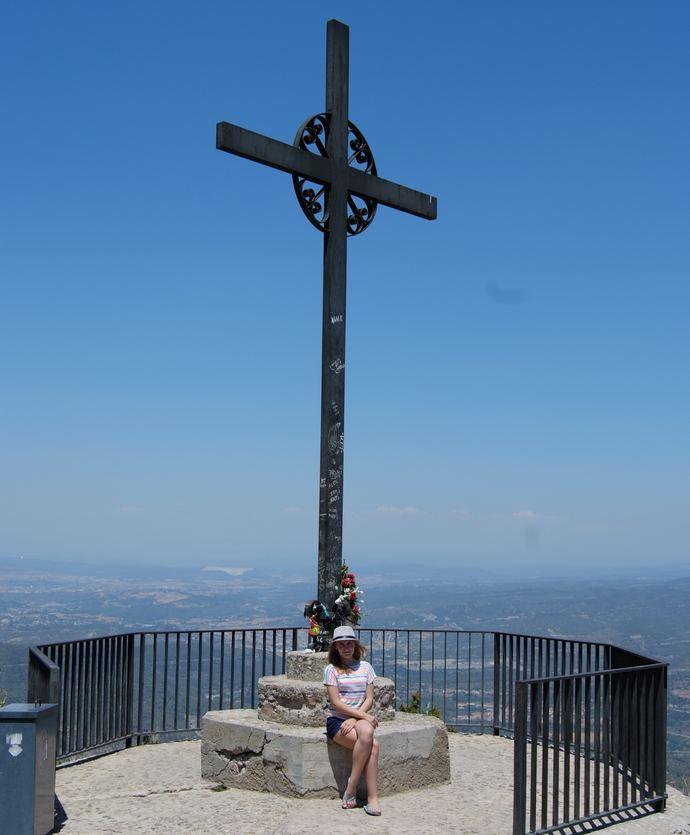 крест архангела Михаила в монастыре Монтсеррат