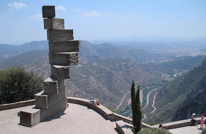 лестница разумения в монастыре Монтсеррат