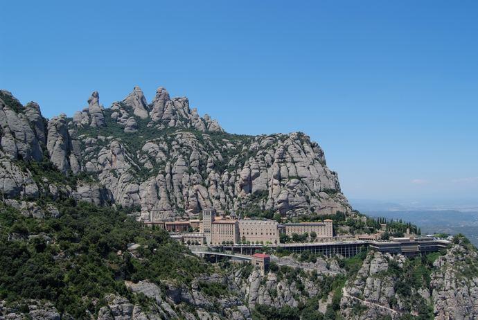 панорама монастыря Монтсеррат