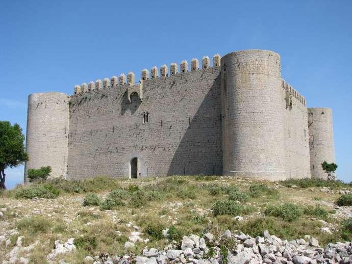 замок в L'Estartit