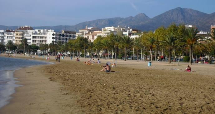 пляж Cala Montjoi