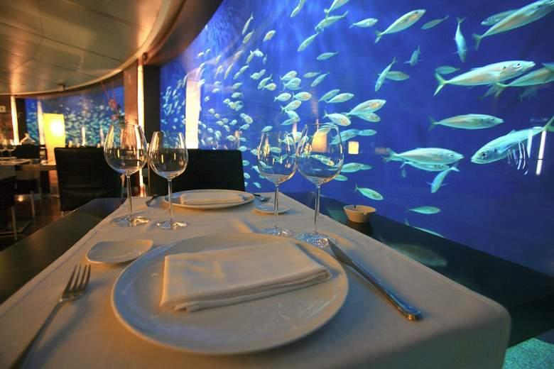 подводный ресторан в океанаруме