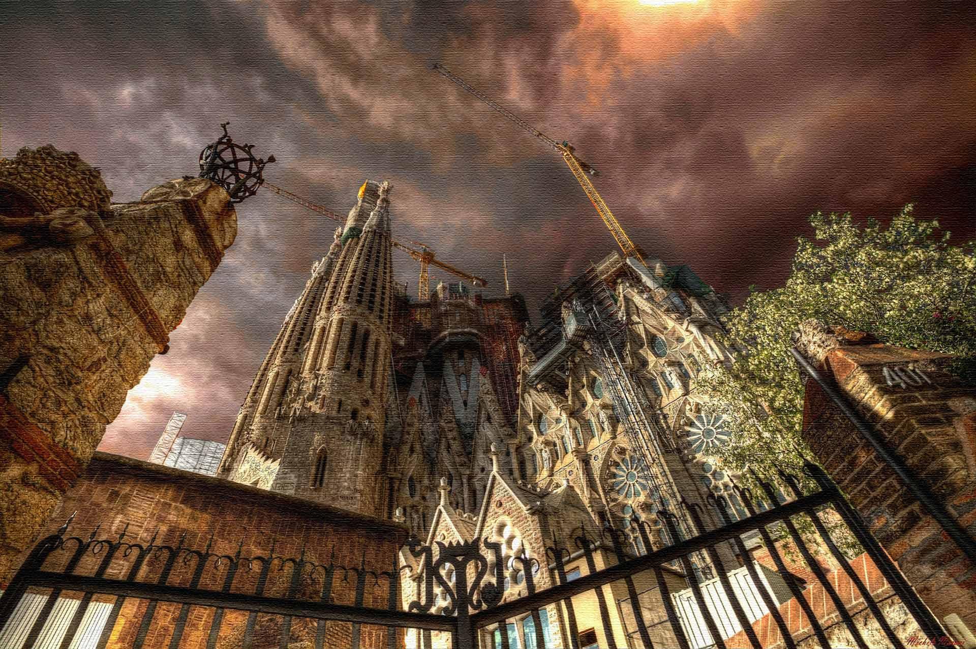 Саграда Фамилия - Храм Святого Семейства в Барселоне